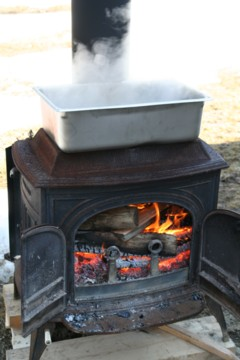 maple_syrup_boiling_small