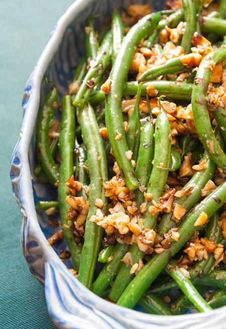 green beans with walnuts and blasamic
