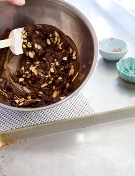 Tempering_chocolate_stir